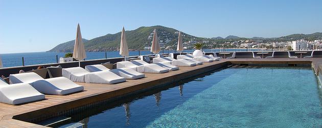 hotel ibiza luxe 9 adresses partir de 107. Black Bedroom Furniture Sets. Home Design Ideas